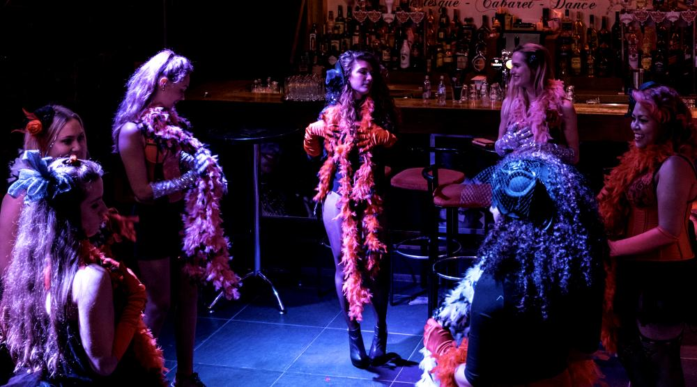 Slide 2: Workshop Burlesque Teamuitje